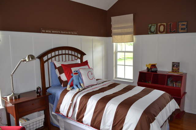 Small bedroom in brown and and white