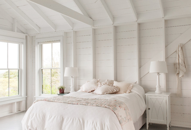 Simple white big bedroom