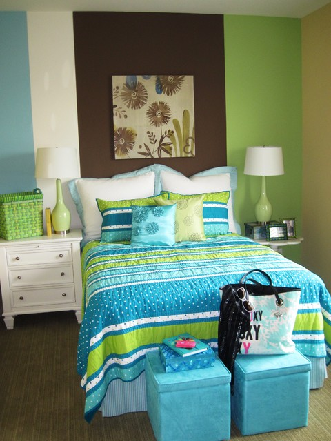 Teen girl room green and blue wall decor