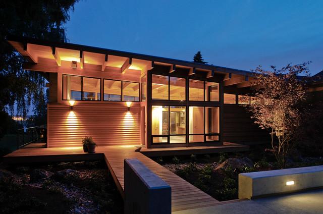 Contemporary Trendy one-story exterior home