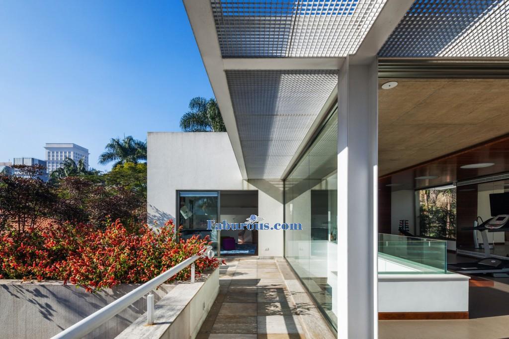 Brazilian-Modern-House-Design-3