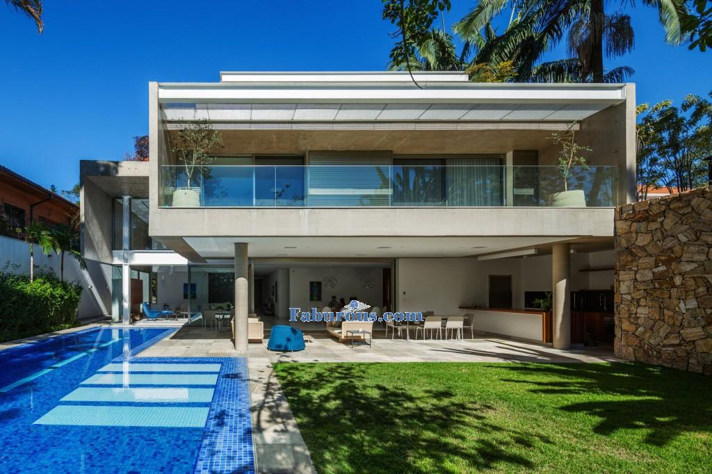 exterior of modern house with swimming pool