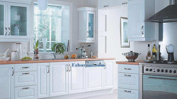 refreshing gloass white kitchen