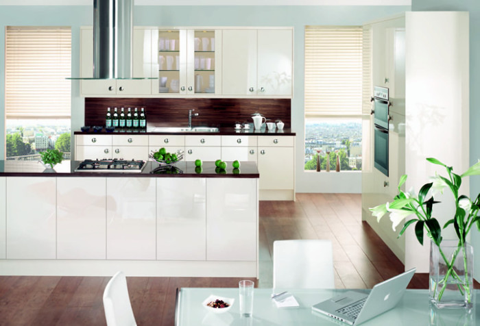 Lucido Oyster gloss kitchen