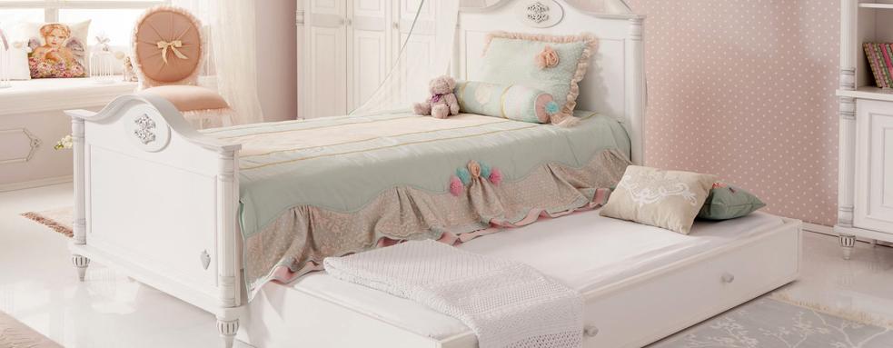 girls-bedroom-mattress