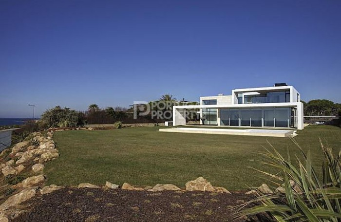 Quinta da Marinha villa outside view