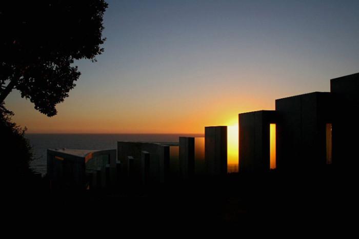 razor-residence-sunset