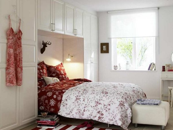 creative space for small bedroom