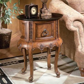 1 Royal Accent Table