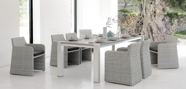4-Wicker-outdoor-dining