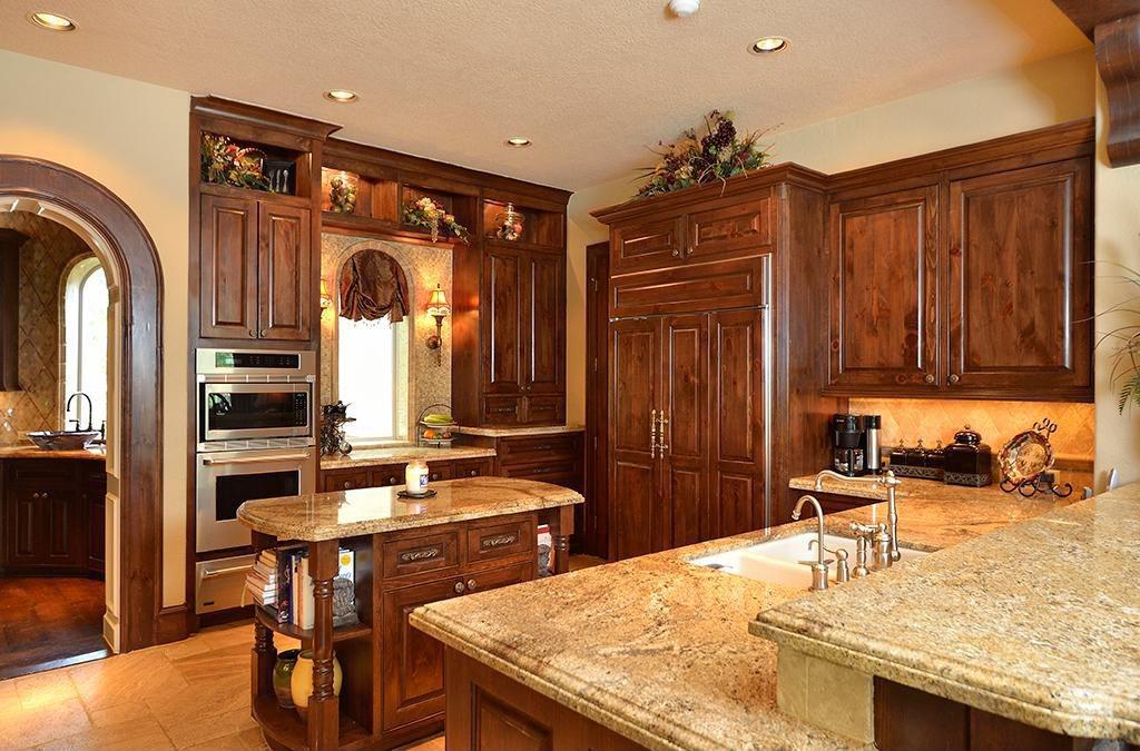 Chestnut Wood Style