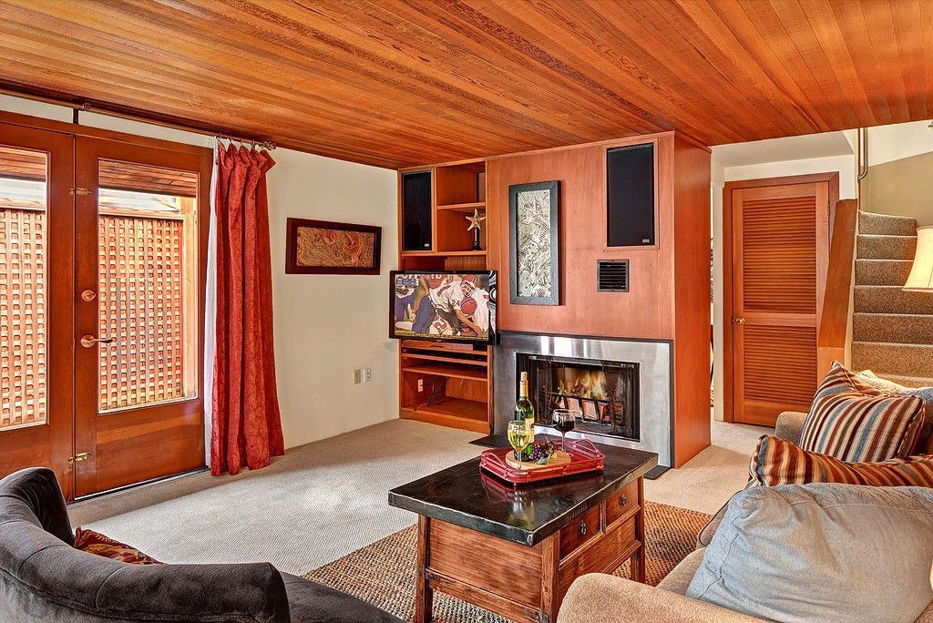 Perfect Wooden Ceiling Living Room