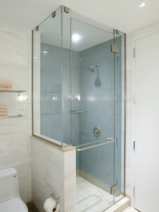 Small shower room decorating ideas for Tiny space bathrooms