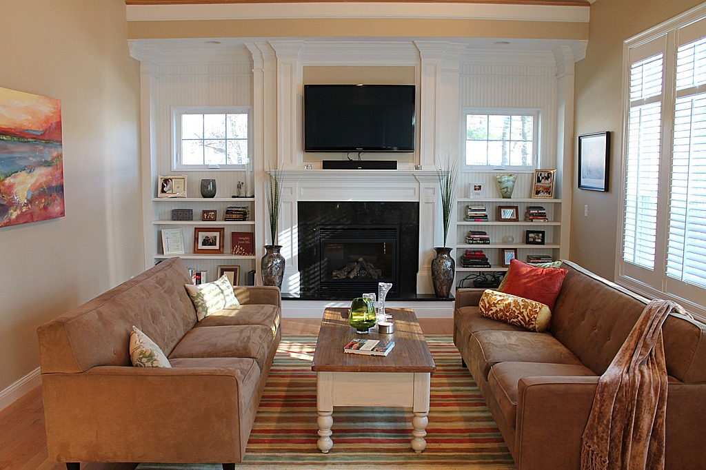 Brown and Beige Style Living Room