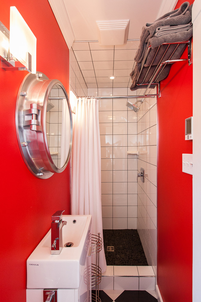 Convenient Bathroom with Metal Fitting
