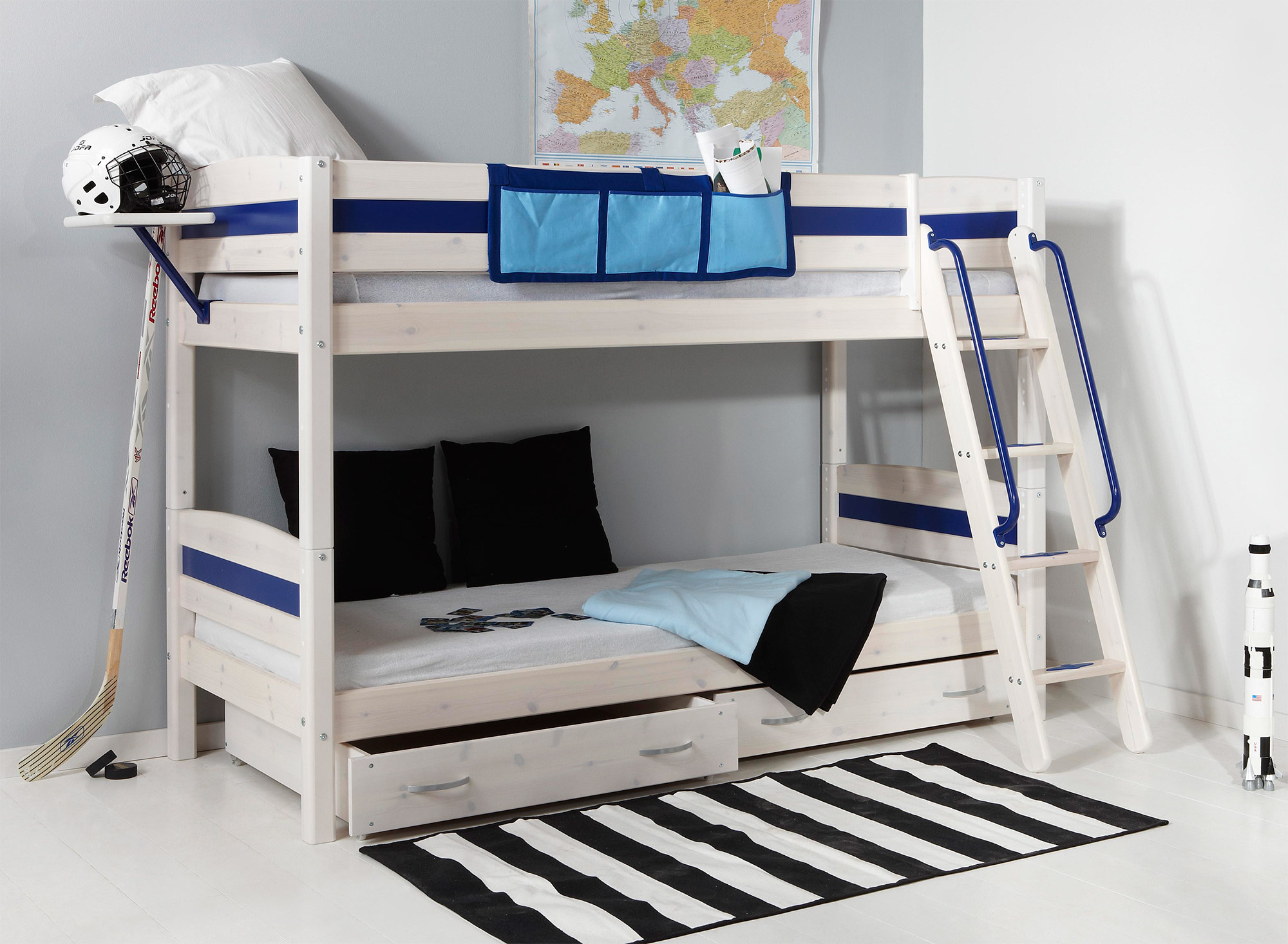 Lively colorful boys room space saving bunk bed designs for Bedroom ideas for 3 beds