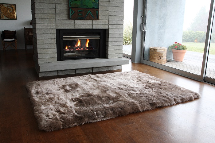 Straight Taupe edge sheepskin rug