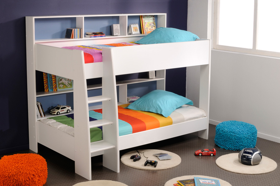 Lively colorful boys room space saving bunk bed designs for Blue and white boys room