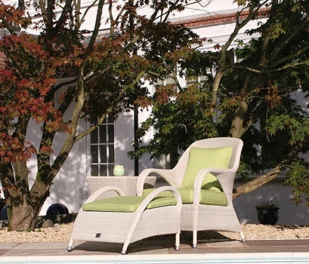 white_rattan_garden_chair_and_footrest_sussex_1__73369_zoom