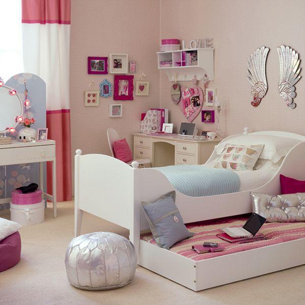 young-teenager-girls-bedroom