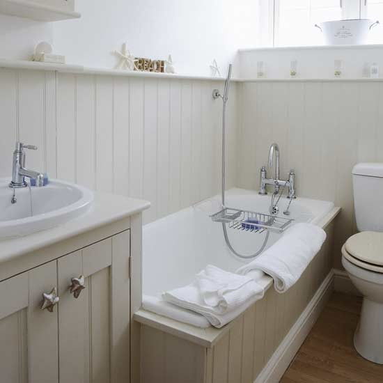 Ideas for small bathrooms for Small bathroom wall ideas