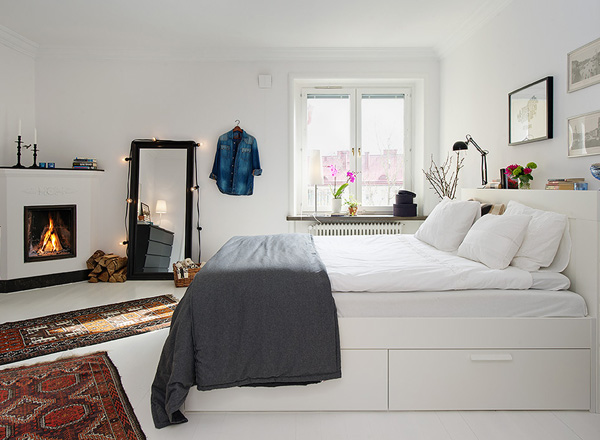 Small Bedroom Ideas for Women with White Motif