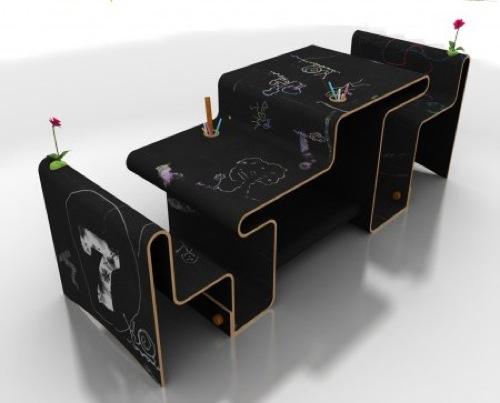 Two Different Sides Desk Design