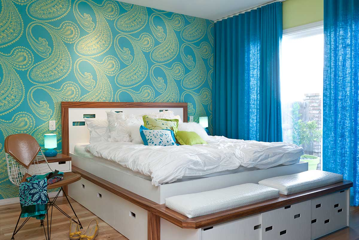 Lime green and blue modern bedroom decorating ideas for Latest wallpaper design for bedroom