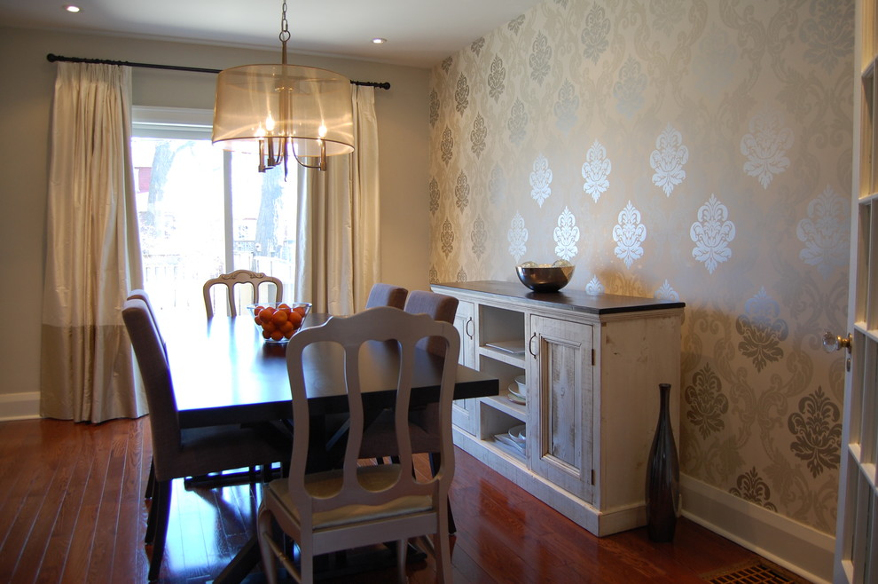 10 dining room designs with damask wallpaper patterns for Eclectic dining room designs