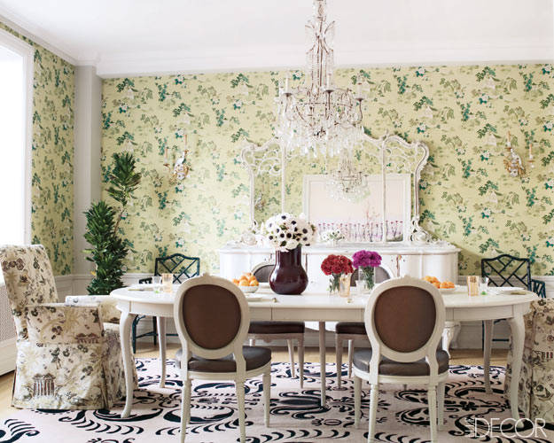 Rafael de Cardenas apt for Cosmetics star Jeanine Lobell and actor Anthony Edwards, dining room, vintage wall paper, Madeline Weinrib rug, Elle Decor