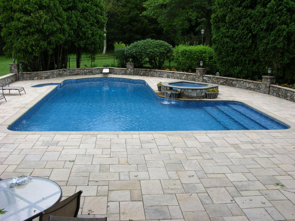 L Shaped Swimming Pool