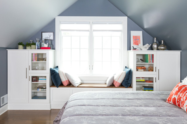teen bedroom with big windows