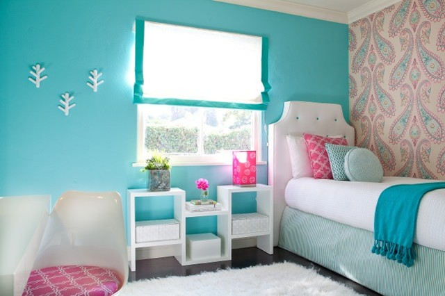 Blue Teenage Girl's Bedroom