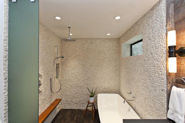 10 beautiful small shower room designs ideas interior for Salle de bain zen galet