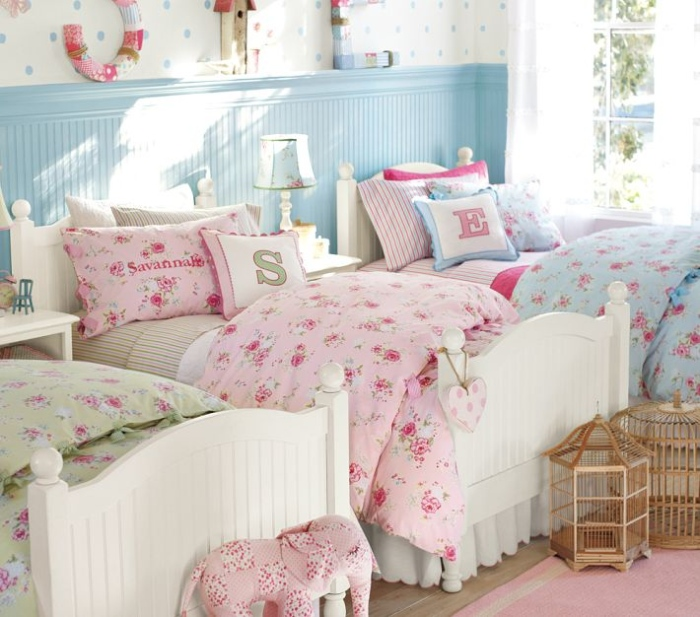 Kid's Bedroom With Three Beds