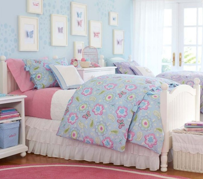 Pink,White And Blue Kid's Bedroom - Copy