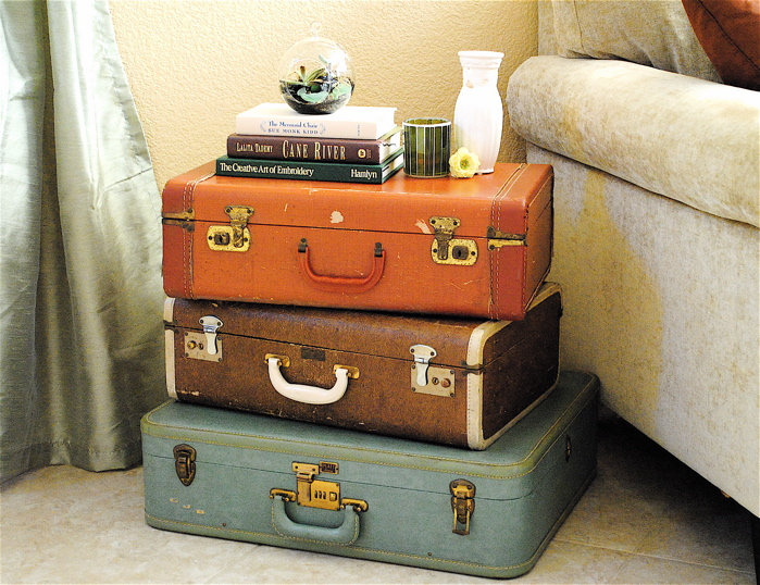 Suitcase-Bedside-Table-Ideas