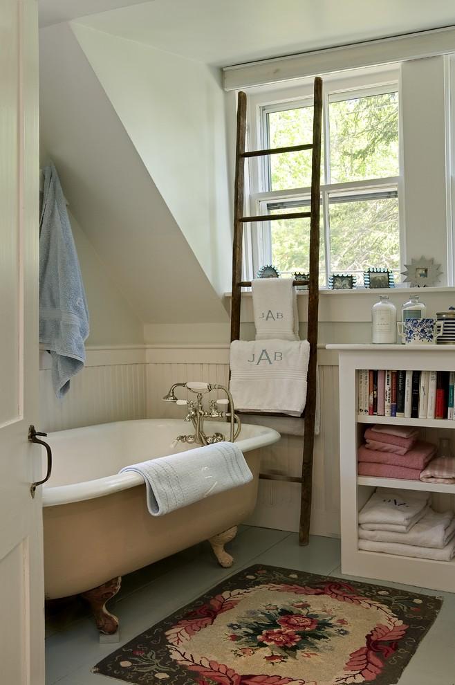 fancy vintage bathtub