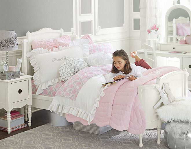 White And Pink Kid's Bedroom - Copy