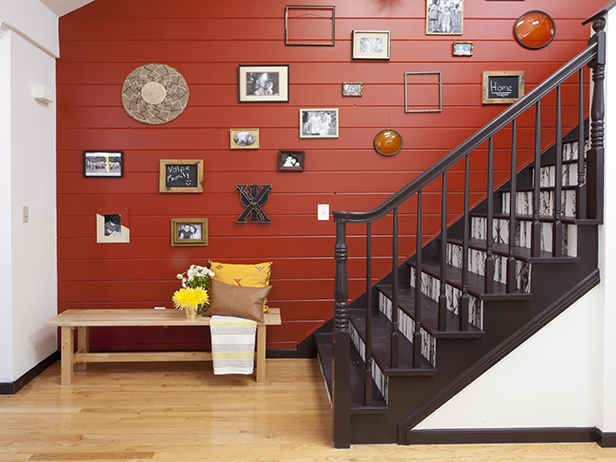 Amazing wall paints and wallpaper for Decorating a staircase wall