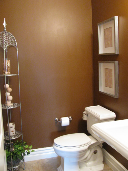 Trendy designs for the small bathroom for Brown bathroom ideas