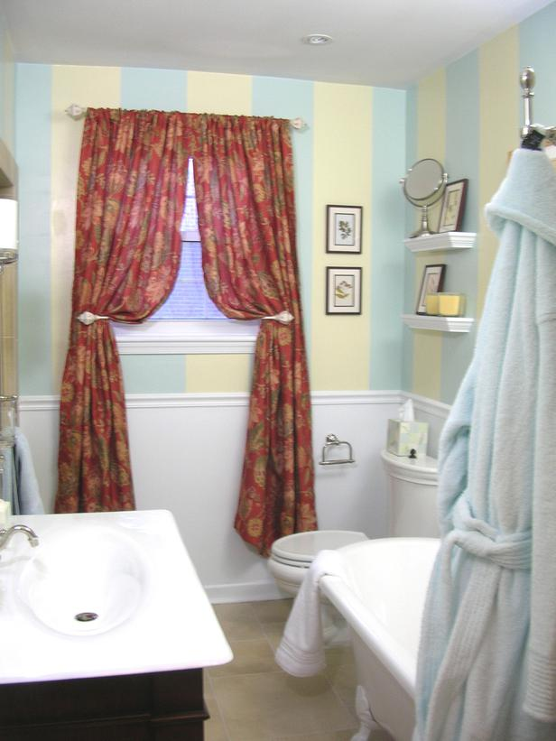 Bright Colored Red Curtains Placement