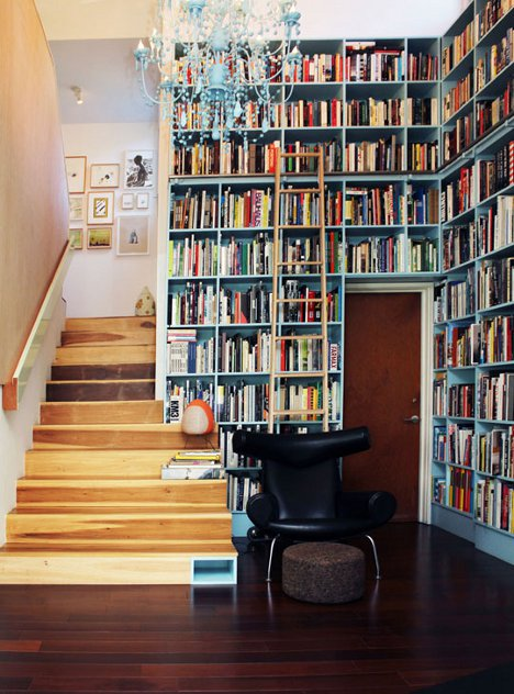 Wall Built in Bookshelves