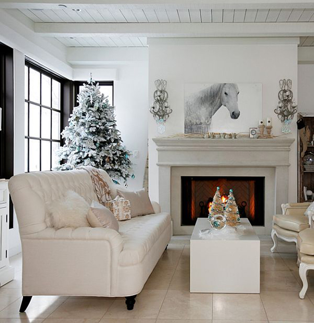 Magical christmas living room ideas for Living room ideas white