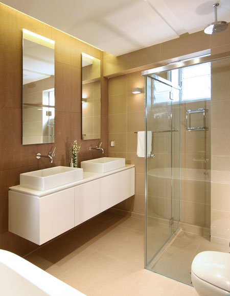 Shower and Bathtub Opposite