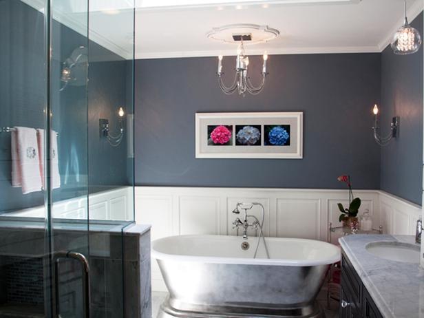 Anissa Swanzy Blue Bathroom