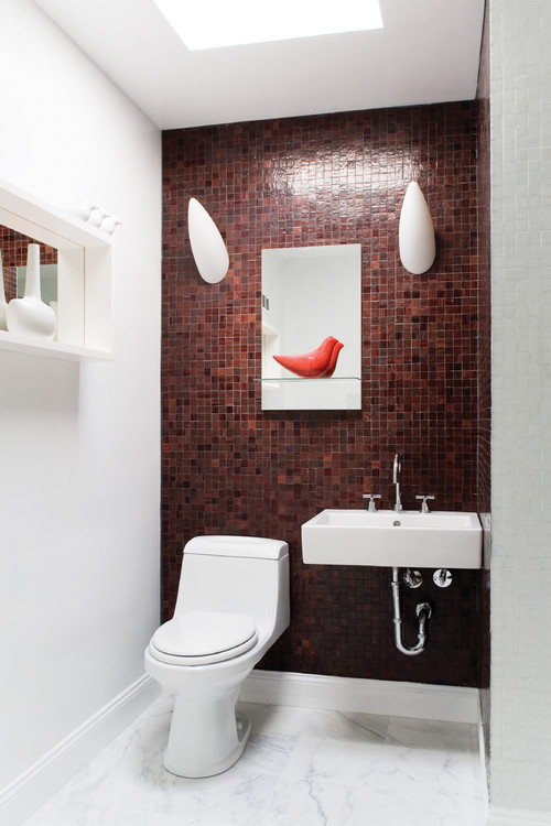 Smart Ways To Decorate Your Small Bathroom