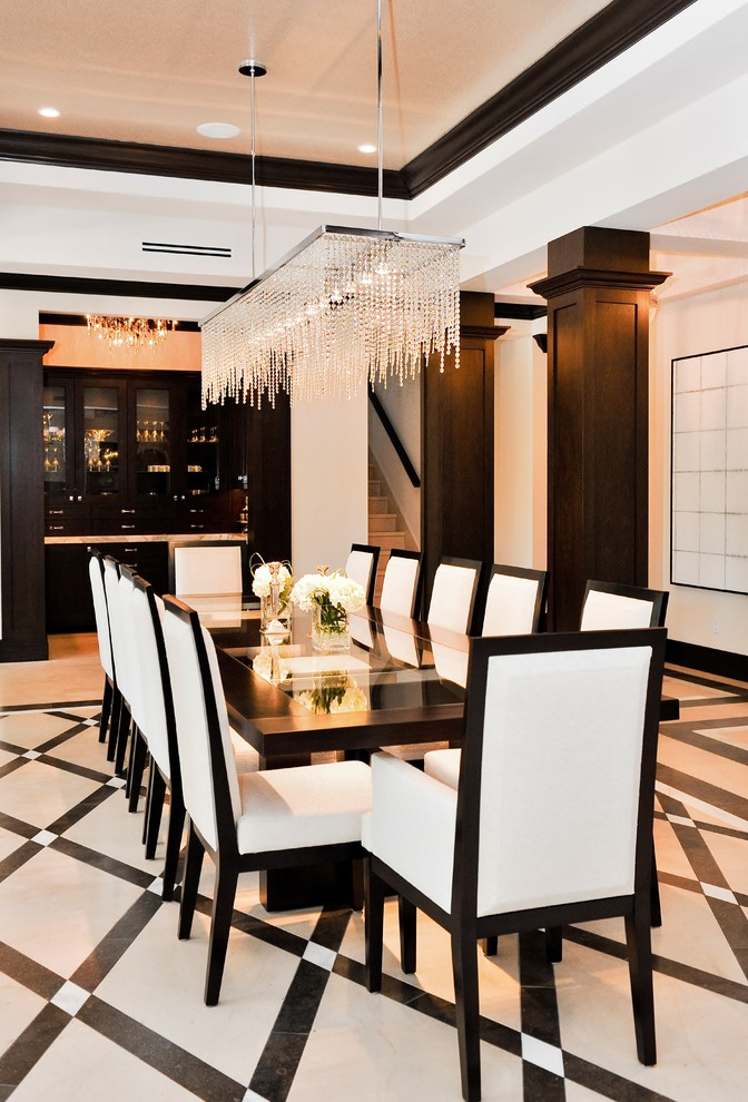 Neutral-dining-room-with-an-art-deco-dining-table
