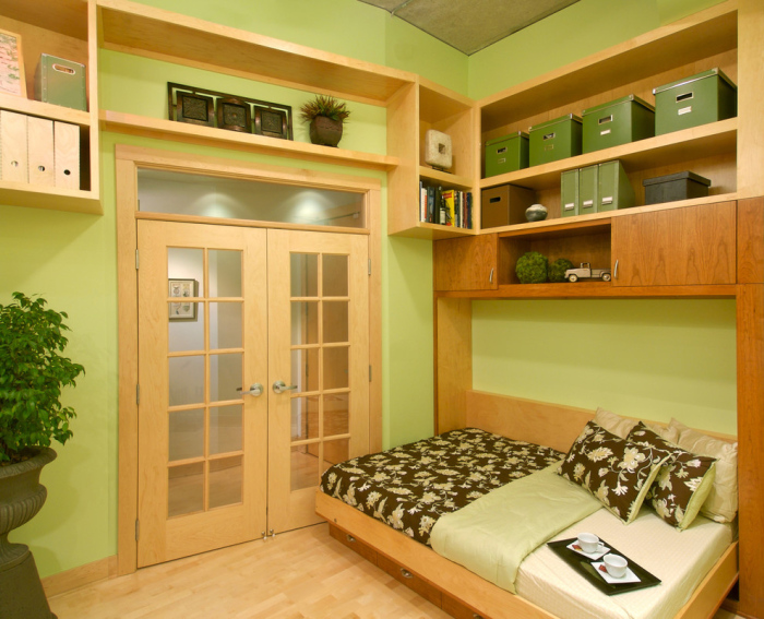 Green-wooden-contemporary-Home-Office-with-a-low-office-wooden-bed-idea