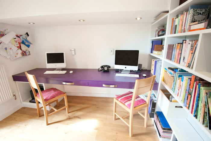 Contemporary-Home-Office-With-custom-office-wooden-furniture-design